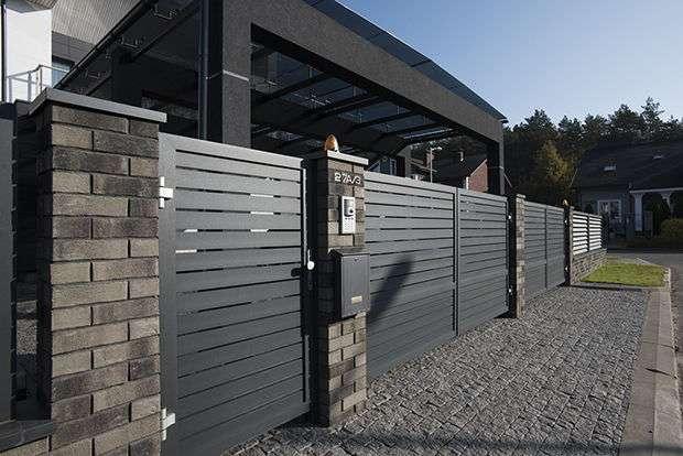Распашные ворота с отдельно стоящей калиткой